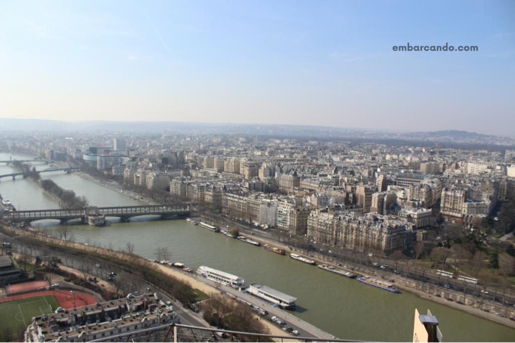 O que fazer em Paris: subir no topo da Torre Eiffel