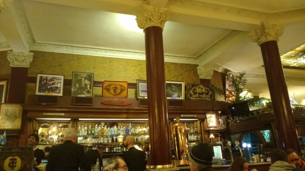 Interior do Café Tortoni