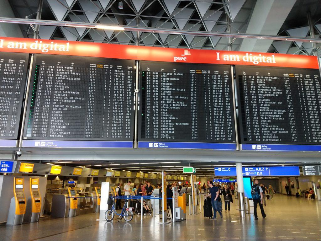 Painel do Aeroporto de Frankfurt - Como chegar em Frankfurt